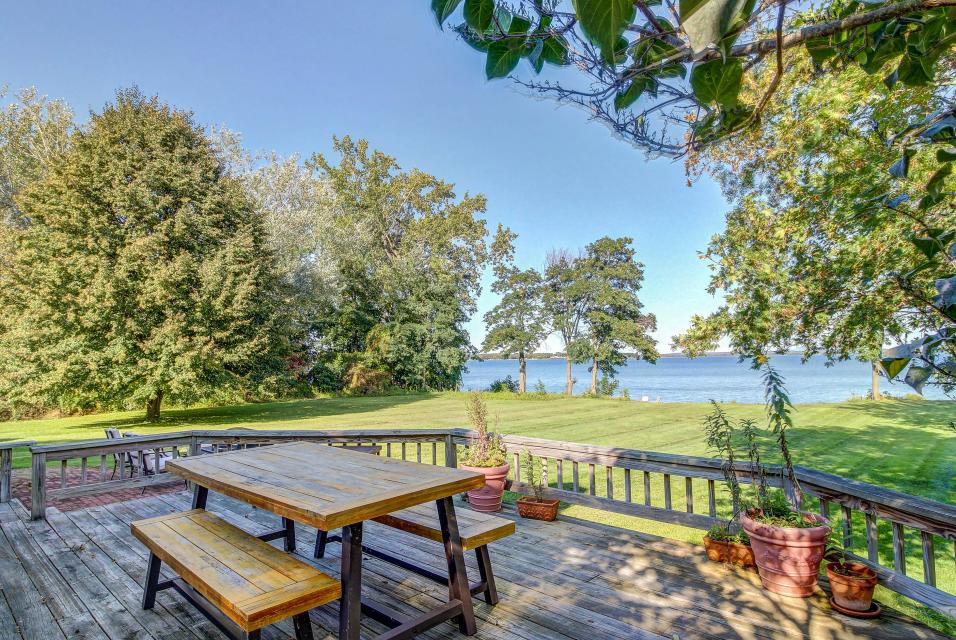 Escape to Jiggerhouse Point - North Hero Vacation Rental
