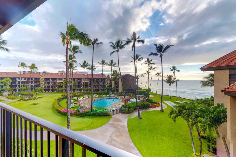 Papakea Resort B407 - Lahaina Vacation Rental