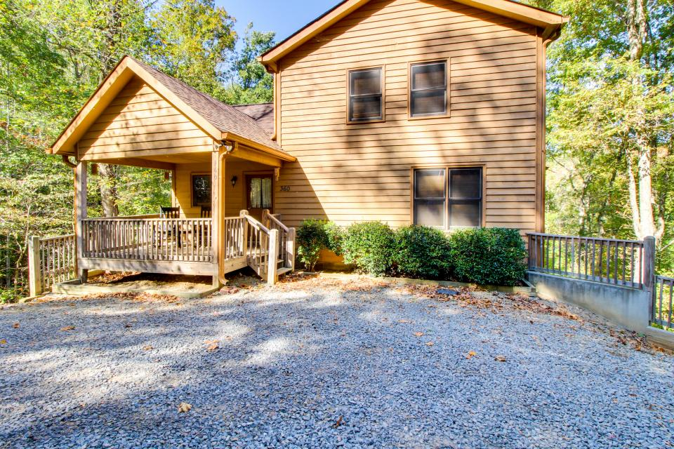 North georgia vacation cabin rentals mountain memories for Rent a cabin in georgia mountains